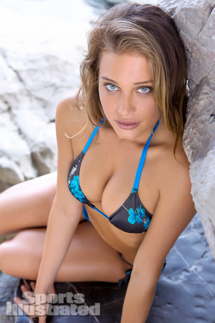 Hannah Davis sexy