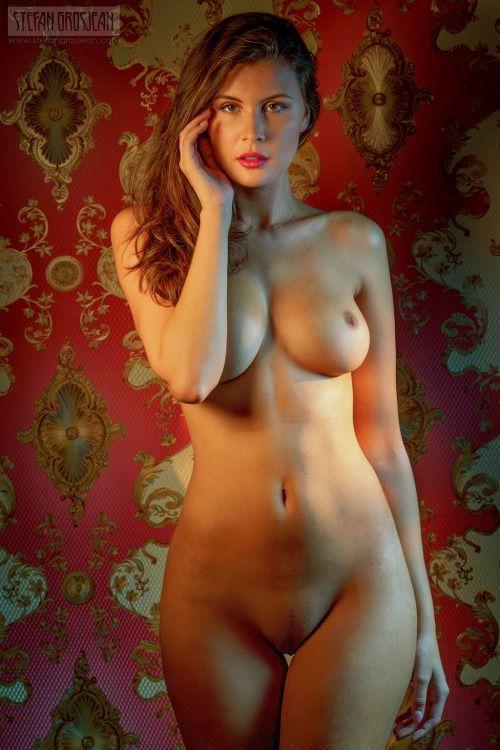 Пьяные голые питерские девки фото