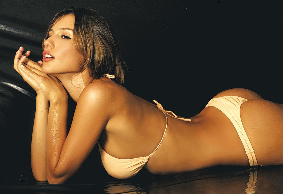 carolina ardoahin aka pampita followme on instagram: @btfulgrls