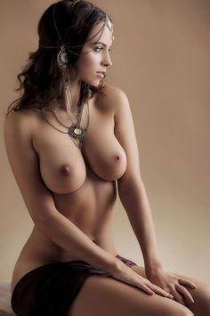 nude-busty-girls..