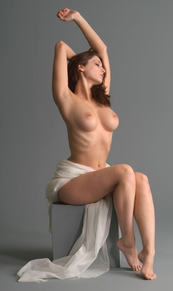 women-nude-poses-cameroon