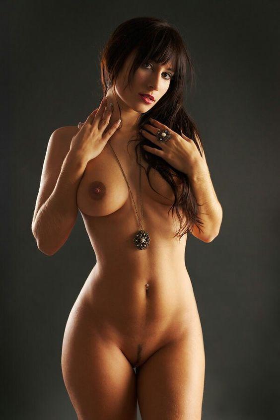 Фото голых женщин с мужскими фигурами