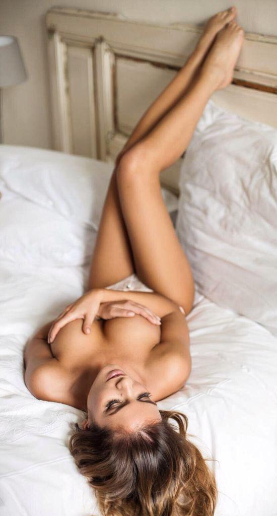 Hot slender body..