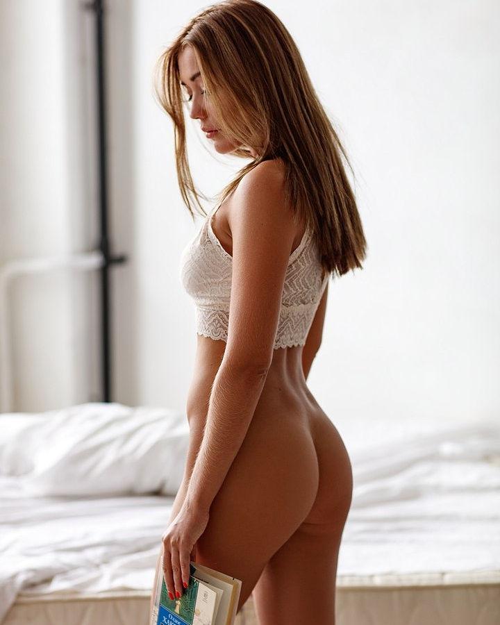 Nice slender half naked body..