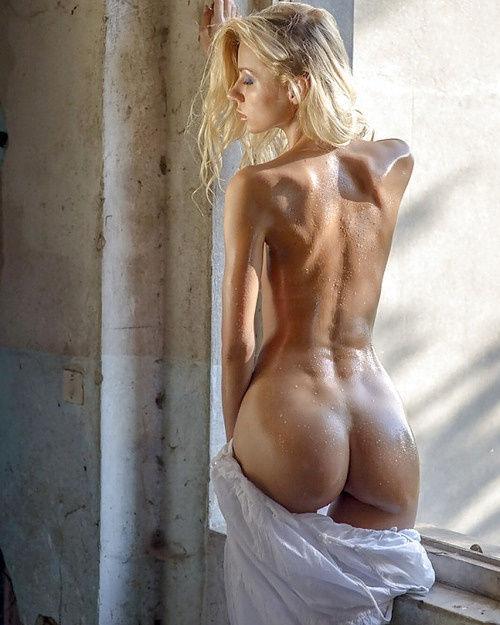 Stunning hot body..