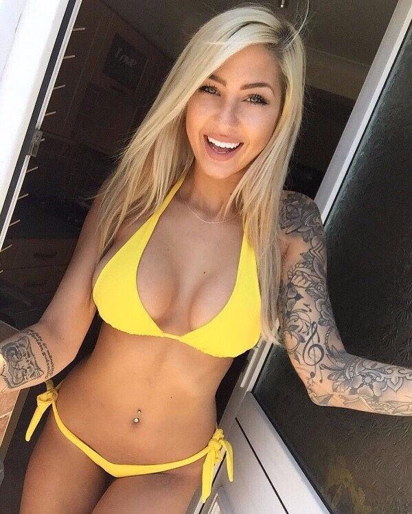 Hot bikini babe..