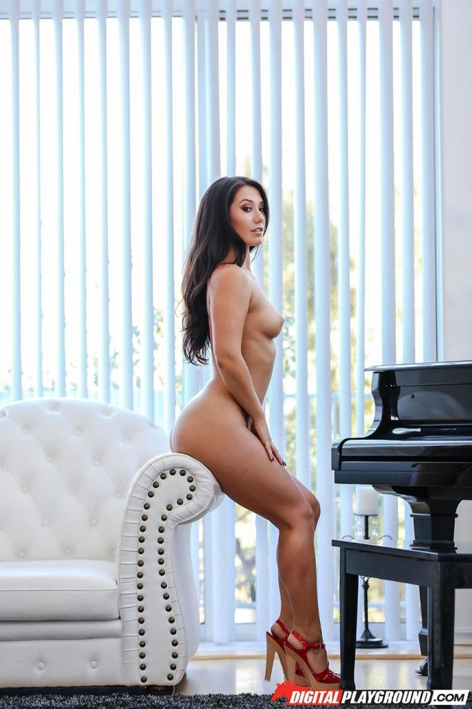 Eva Lovia very horny with desire to fuck