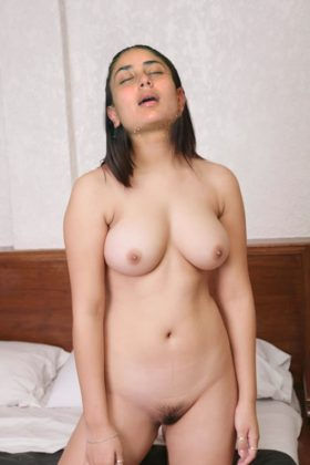 Sexy Kareena Kapoor Nude Big Tits Nangi Chut Xxx Porn Pics