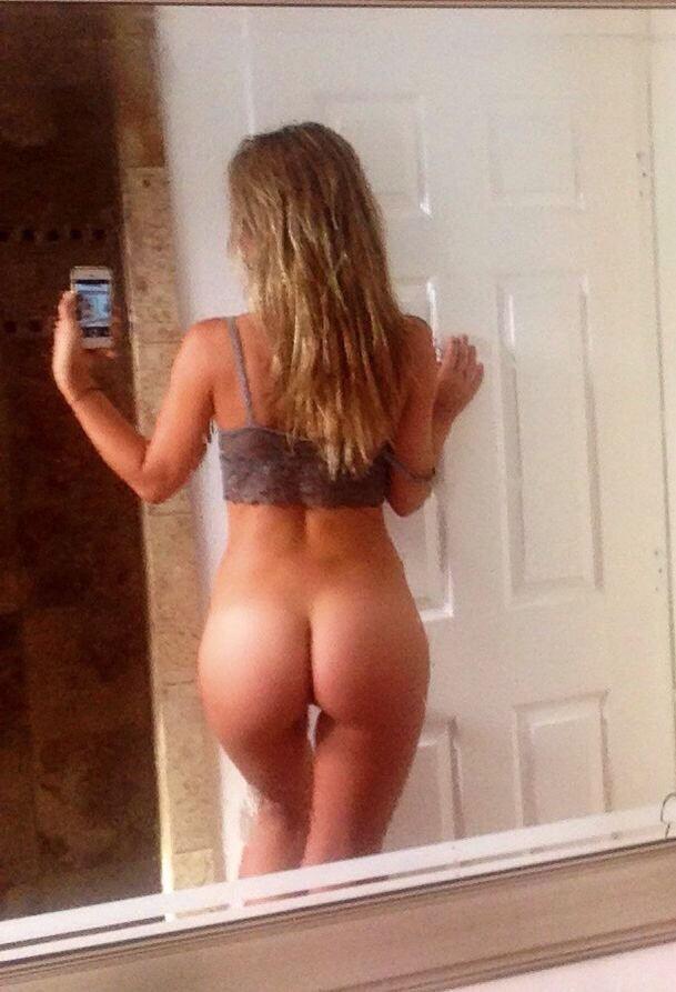 Nice butt selfie..