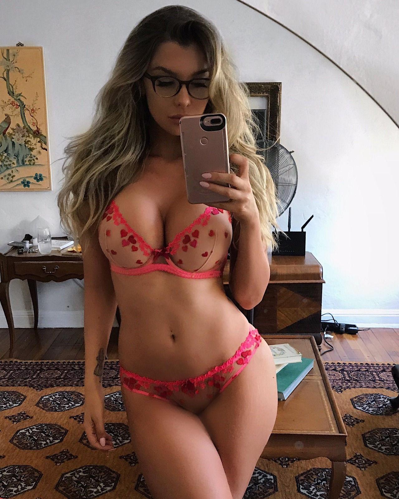 Sexy bikini body selfie..