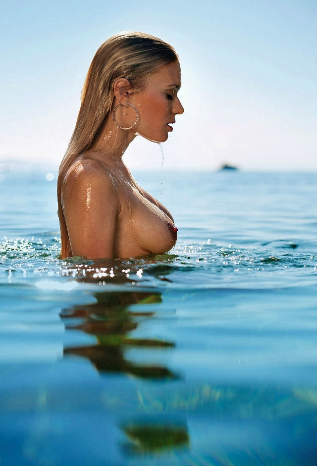 Eva Marie Kromer's wet side BOOB shot