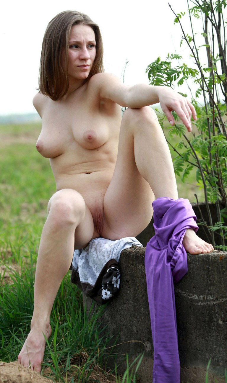 Hot Milf shows pussy in nature