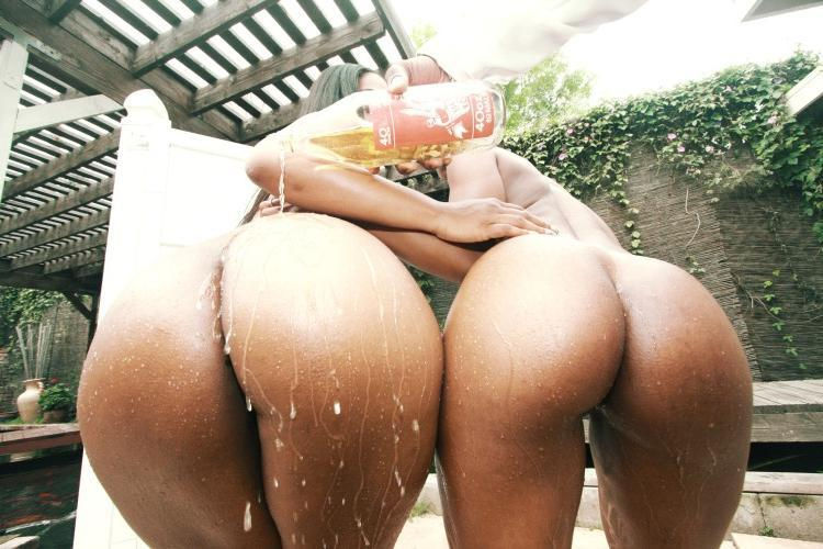 Nicely shaped butts..yummy!