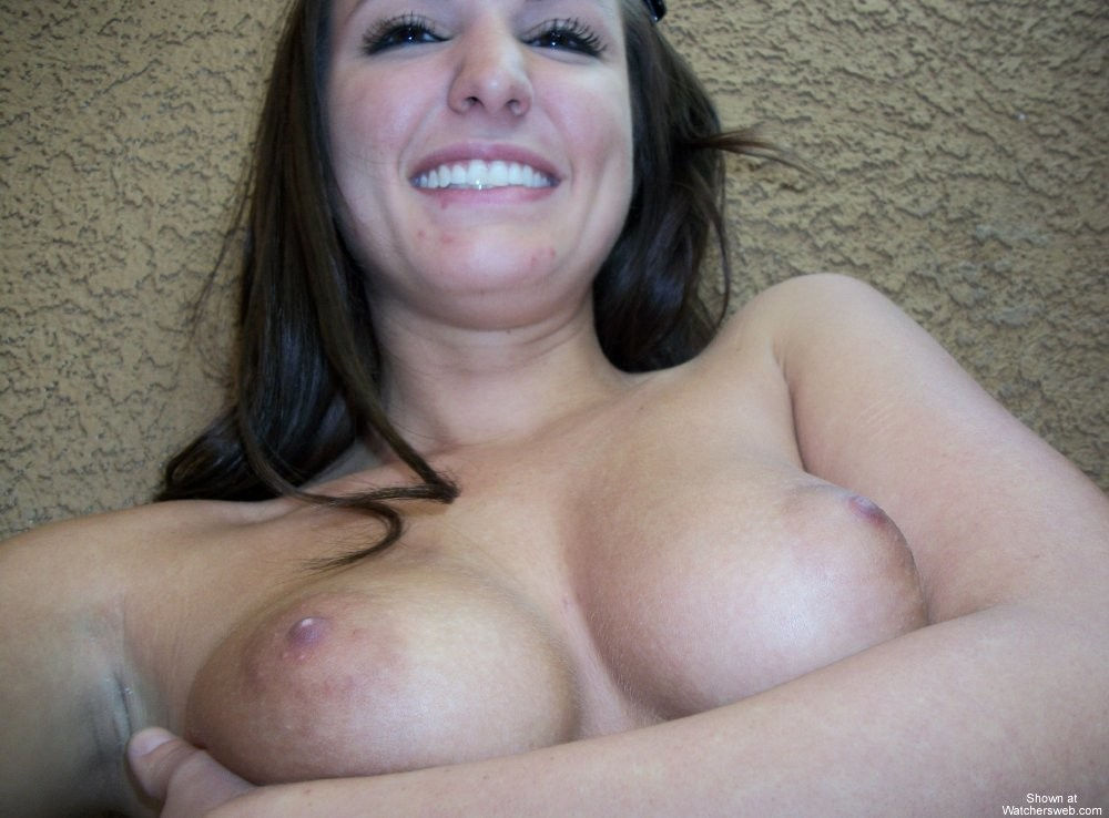 Horny 23 years old babe