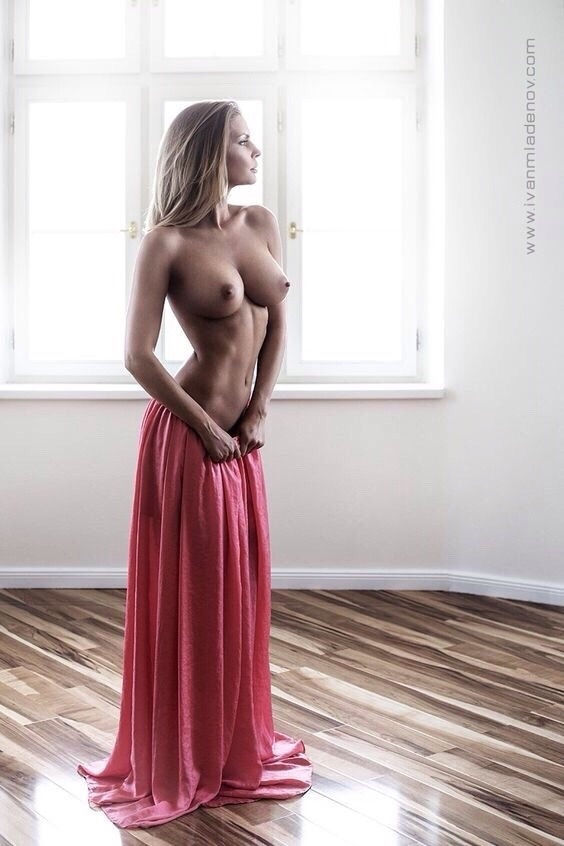 Nice boobies..😆😆😆