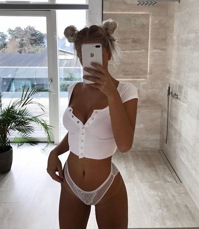 Sexy..😚😚😚