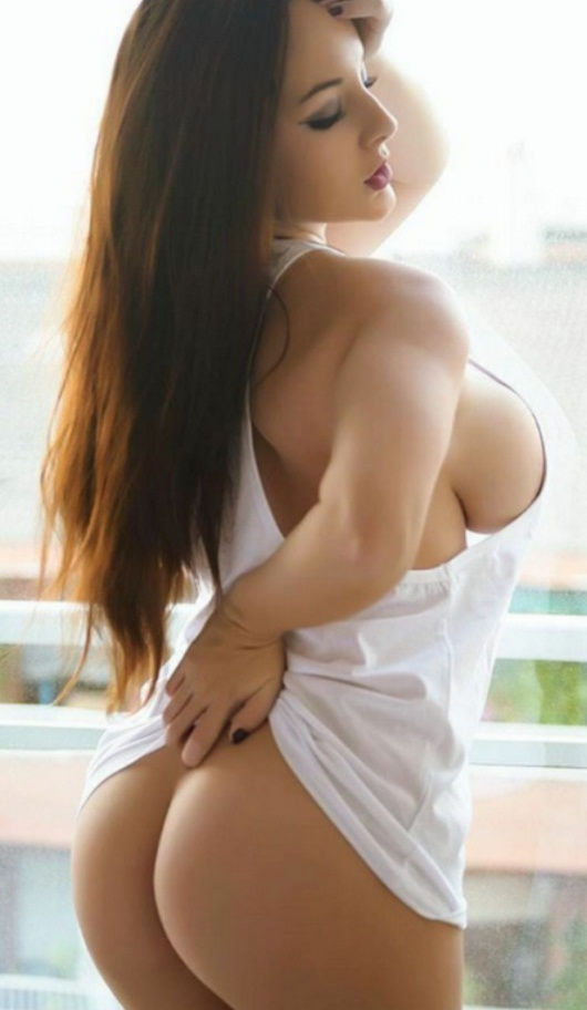Hire sexy call girl in Faridabad having big ass and boobs