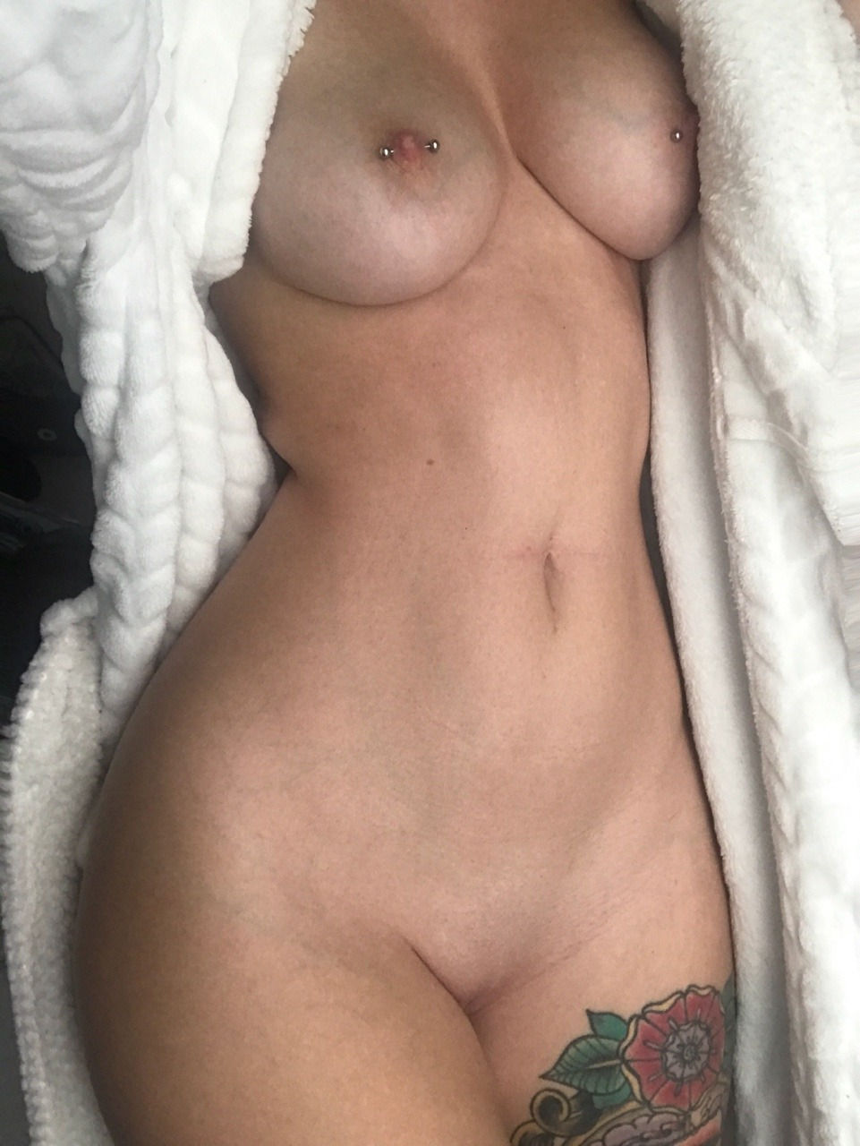 Hot body snap..