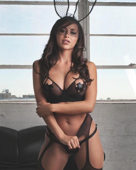 Erotic beauty..😆