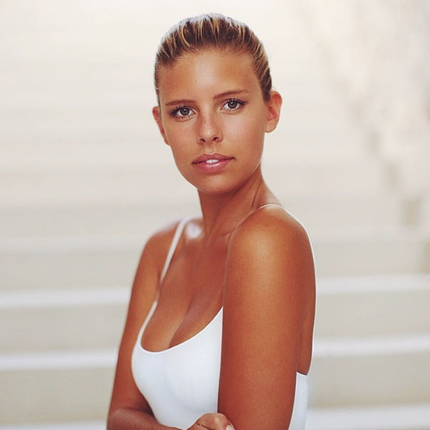 Name: Natasha Oakley, Profession: Supermodel, Ethnicity: Caucasian, Nationality: Australia, Plac ...