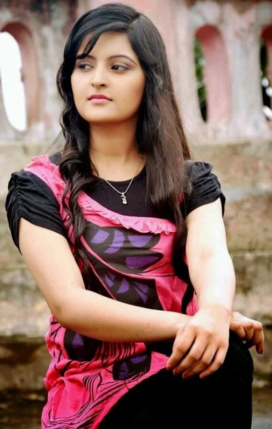 Greater Noida call girls for a romantic dinner date and have fun for the whole night