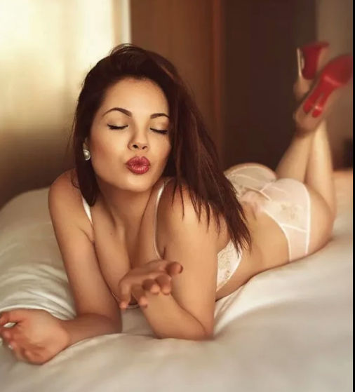 Hire sexy and hot call girl in Connaught Place for real time fun and erotic experience.