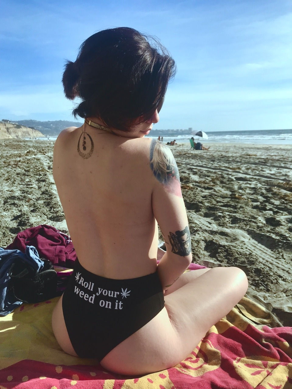 Sexy day at the beach..😚