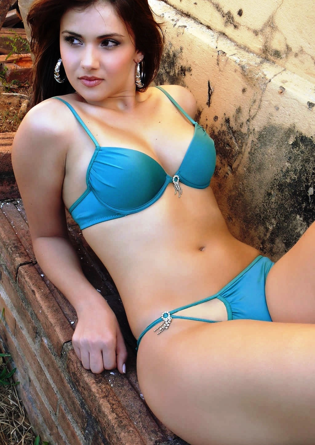 Hire a blonde call girl in Ghaziabad
