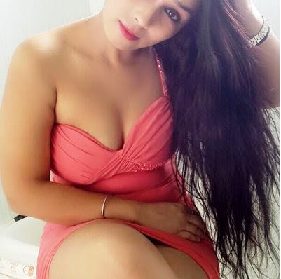 Hire sexy and blonde call girl in Noida