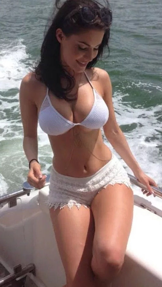 Hire sexy Faridabad call girl for erotic party