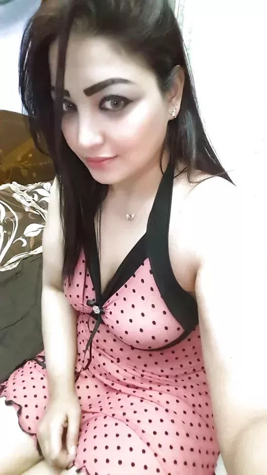 Normal and sexy call girl in Noida