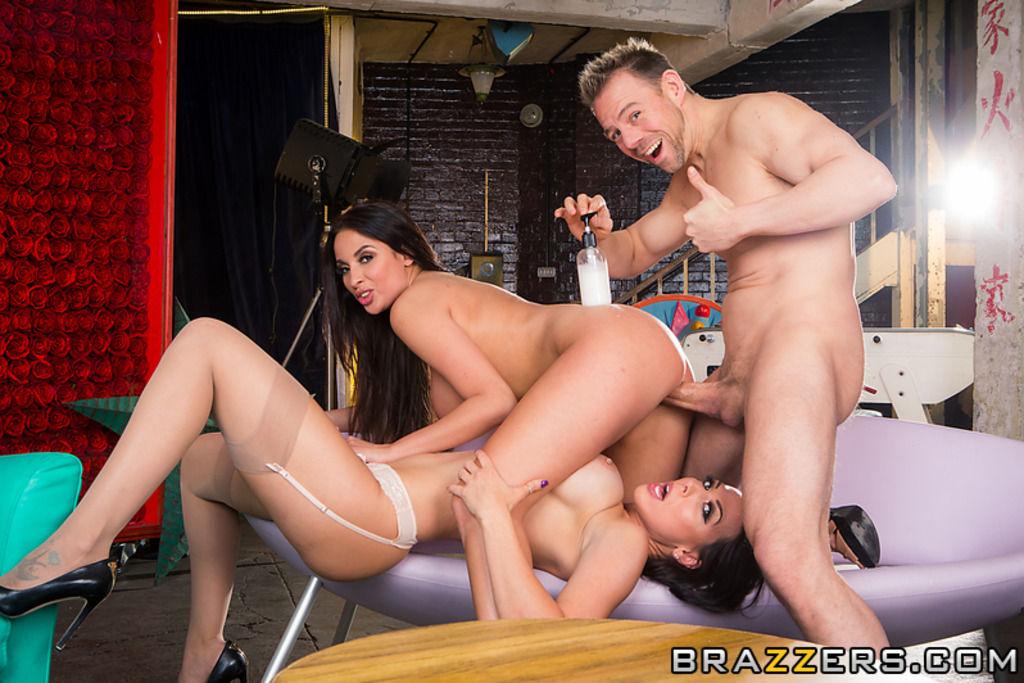Anissa Kate & Rachel Starr – eating two sluts
