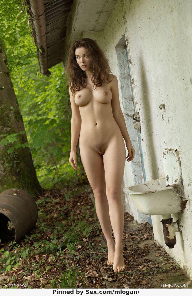 Name: Alisa G White, Profession: Adult Model, Ethnicity: Caucasian, Nationality: Ukraine, P.O.B: ...