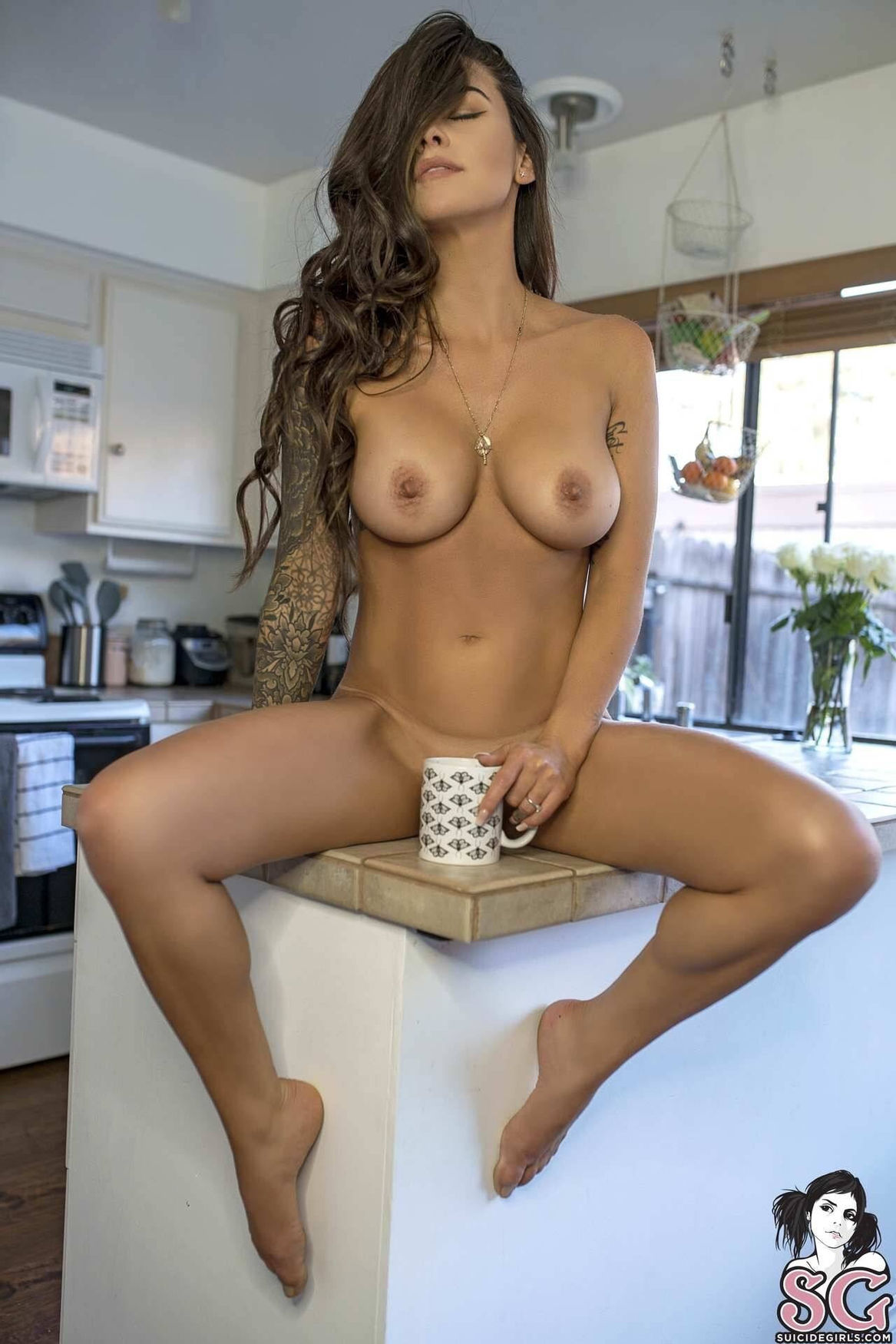 Breakfast is ready…a cup of coffee & pussy..
