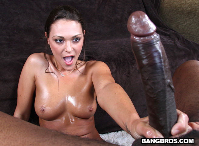 Olivia Wilder – black monster
