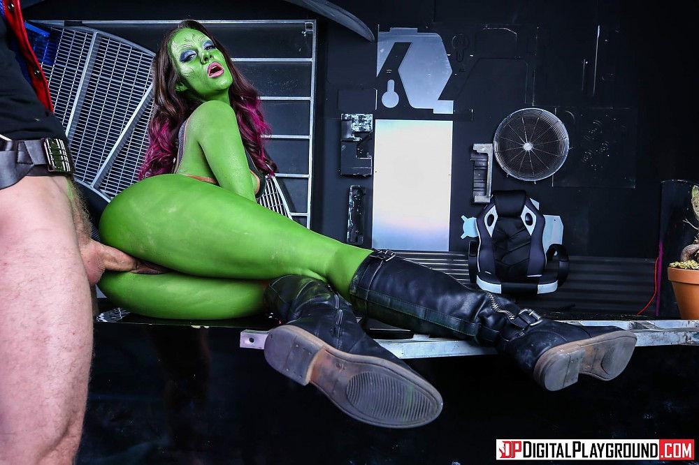 Cassidy Klein (Gamora)