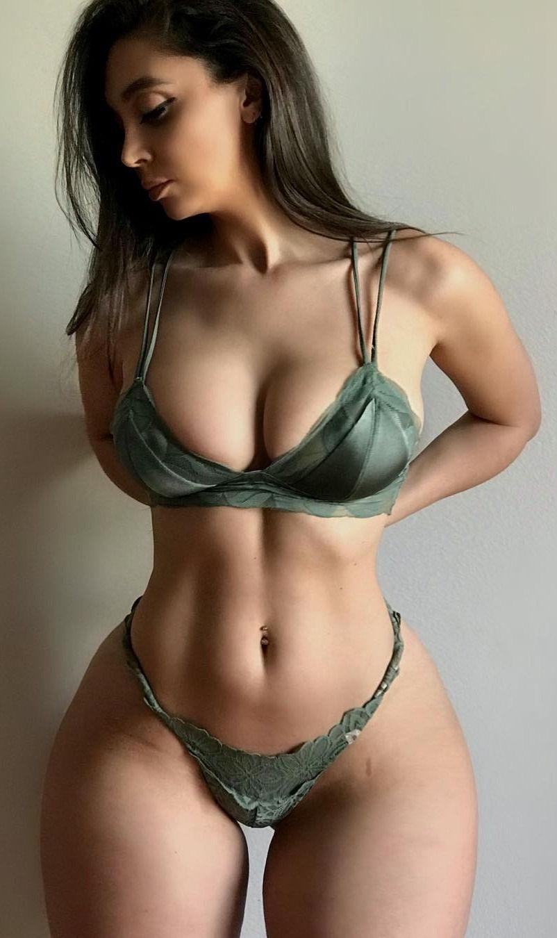 polini-kartashovoy-uzkaya-taliya-i-bolshaya-zadnitsa-barbi-seks-posteli