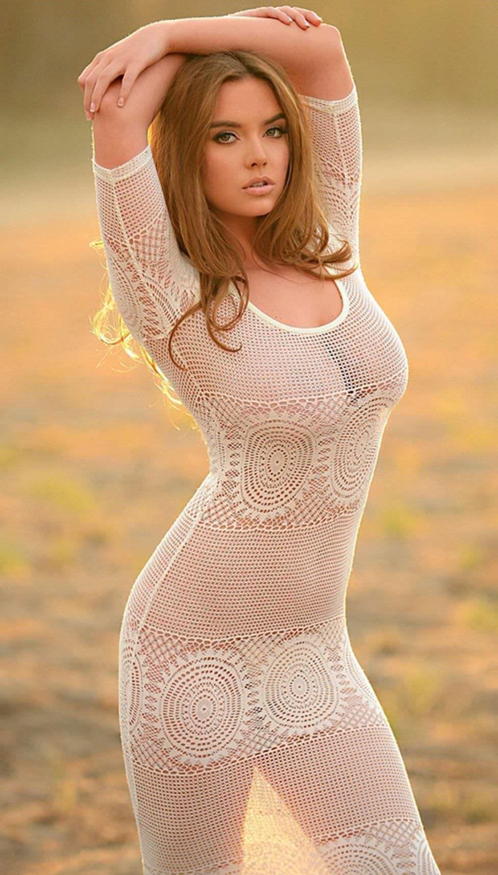 Эротические фотографии девушек в прозрачной одежде, ебля раком толстых задниц
