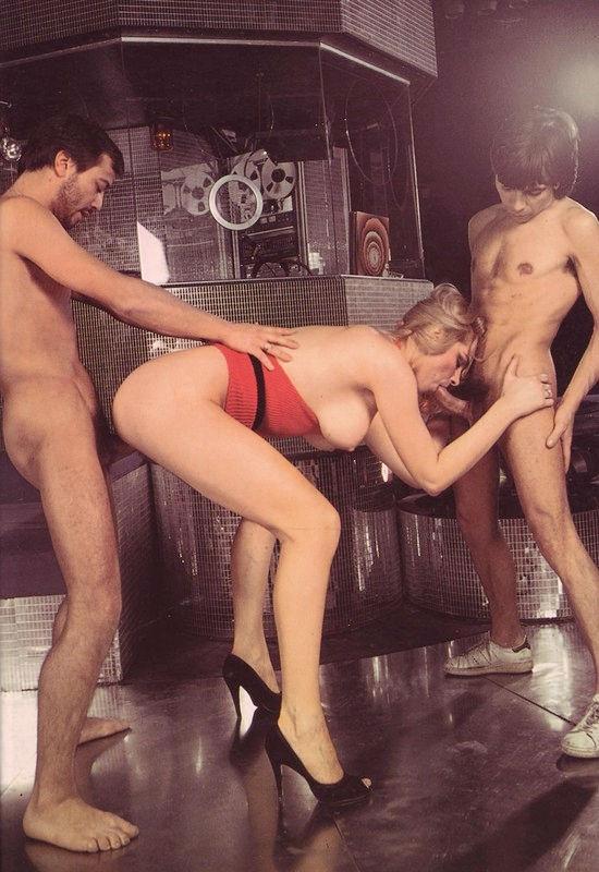 VINTAGE 18 – Babes commando