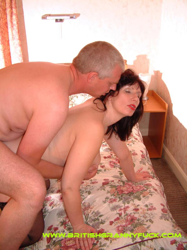 British milf Jo gets fucked from behind. She loves to fuck on fresh bed sheets.