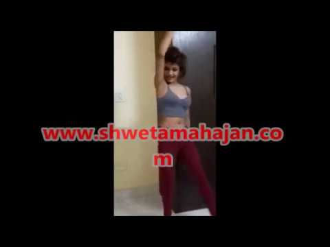 She is sizzling, gorgeous model in Delhi – YouTube