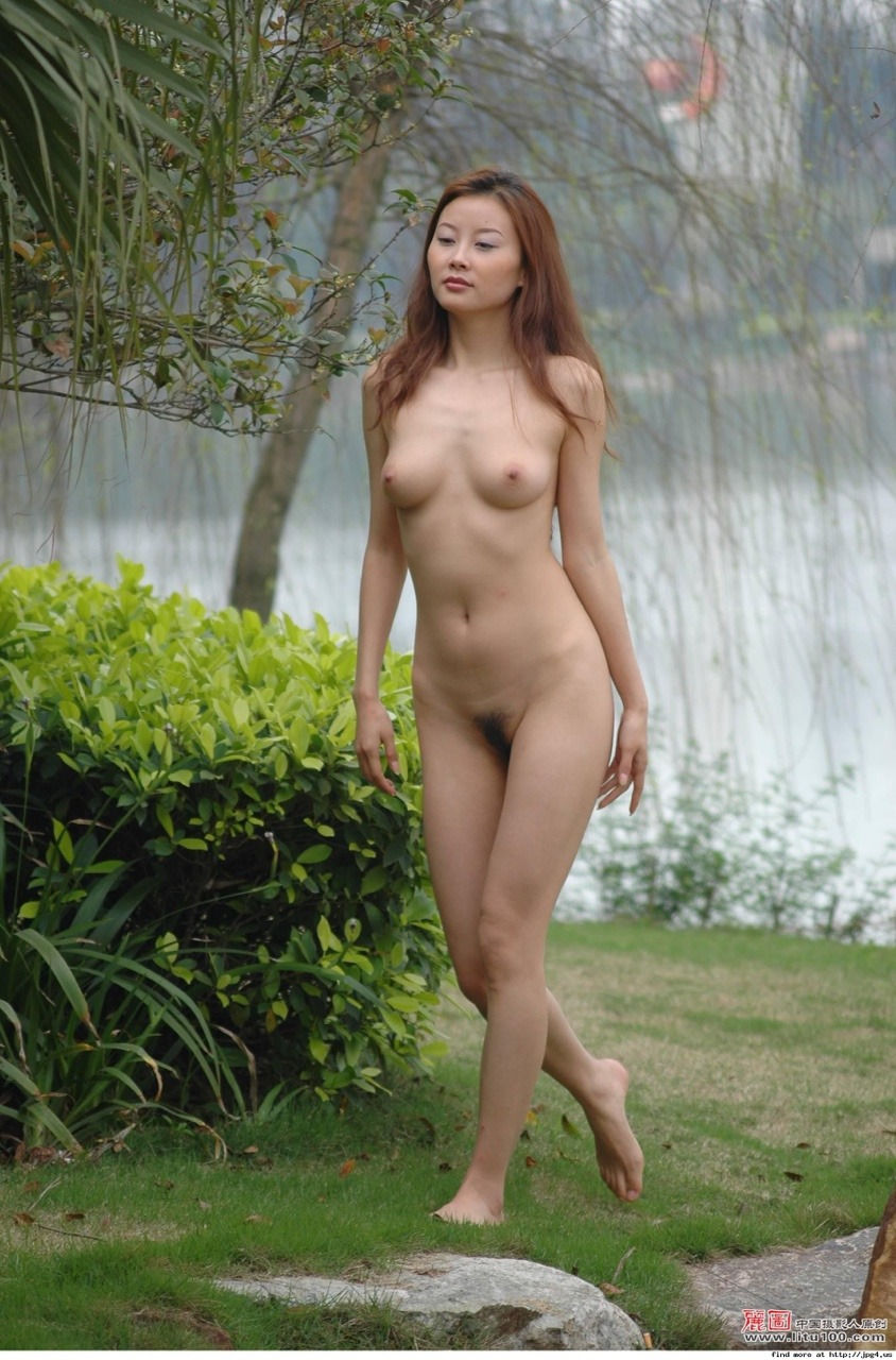 Totally naked chinese girls