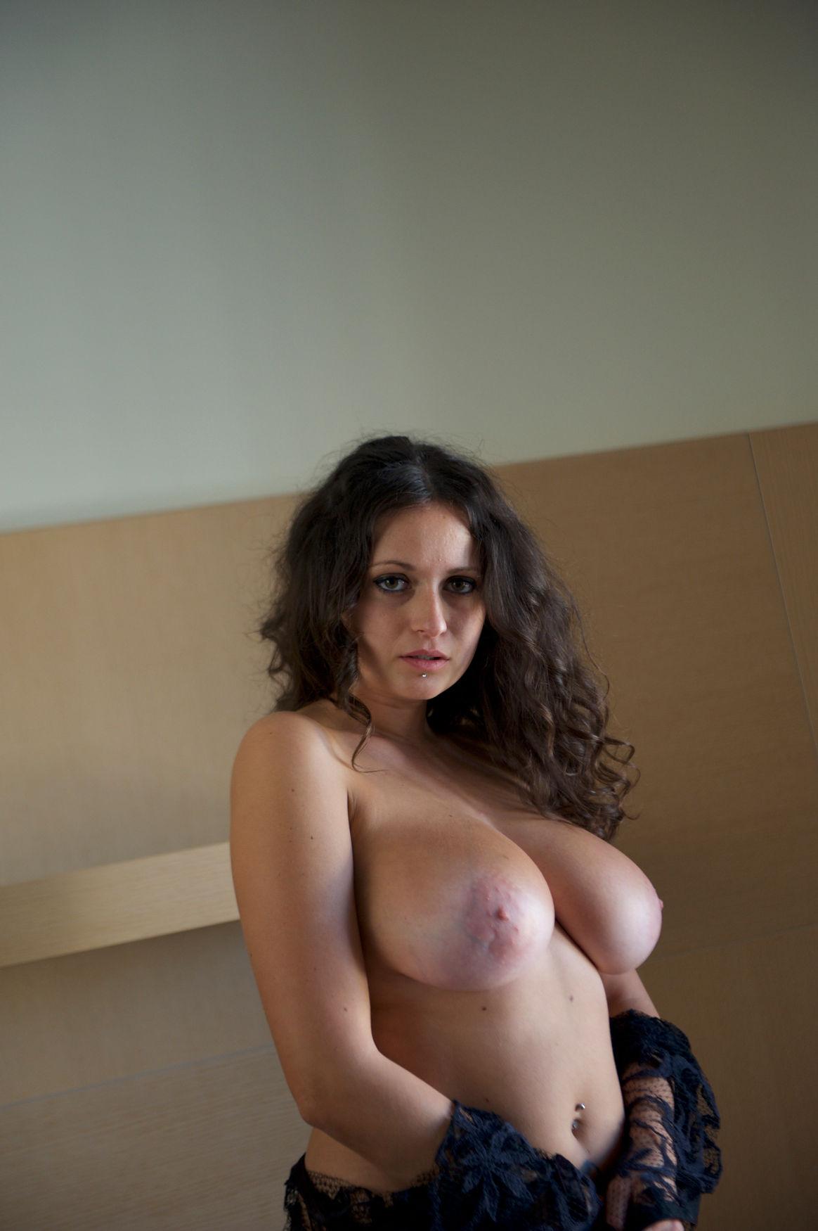 vanessa mariani topless model #vanessamariani