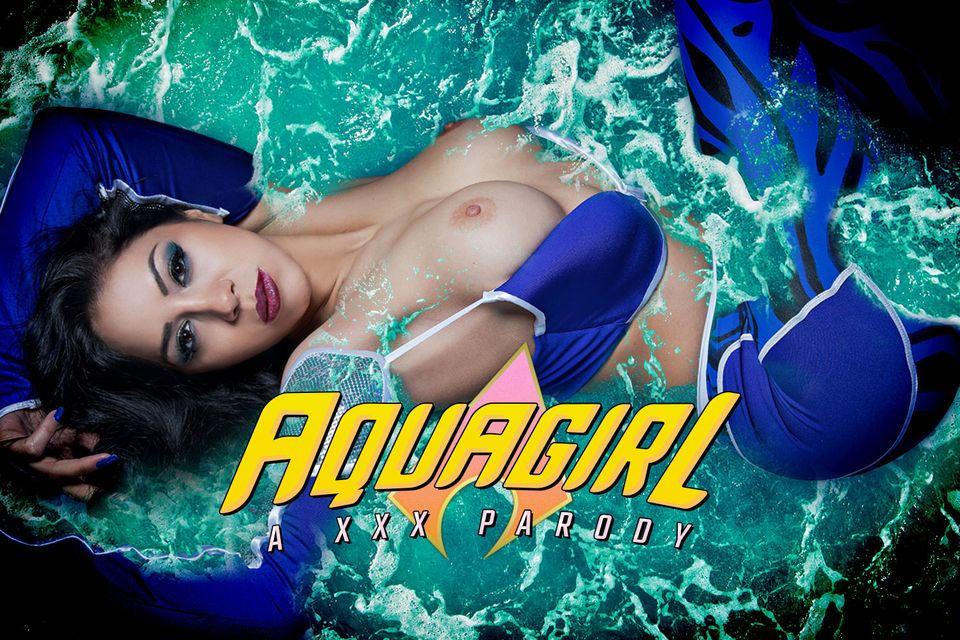 Julia De Lucia – ( Aquagirl )