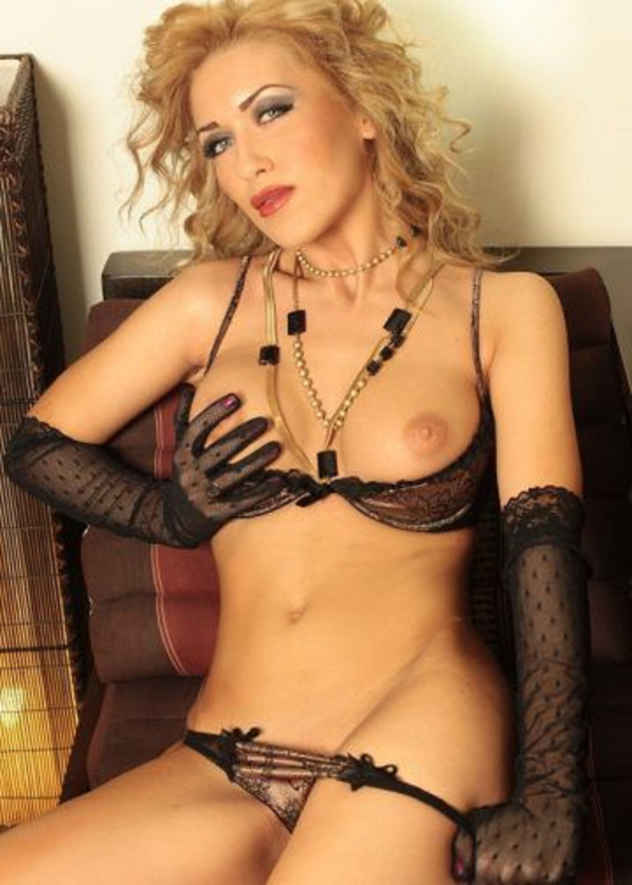 Anna escort in Amsterdam only for mans! –  Amsterdam Escort XXX 0031649864947