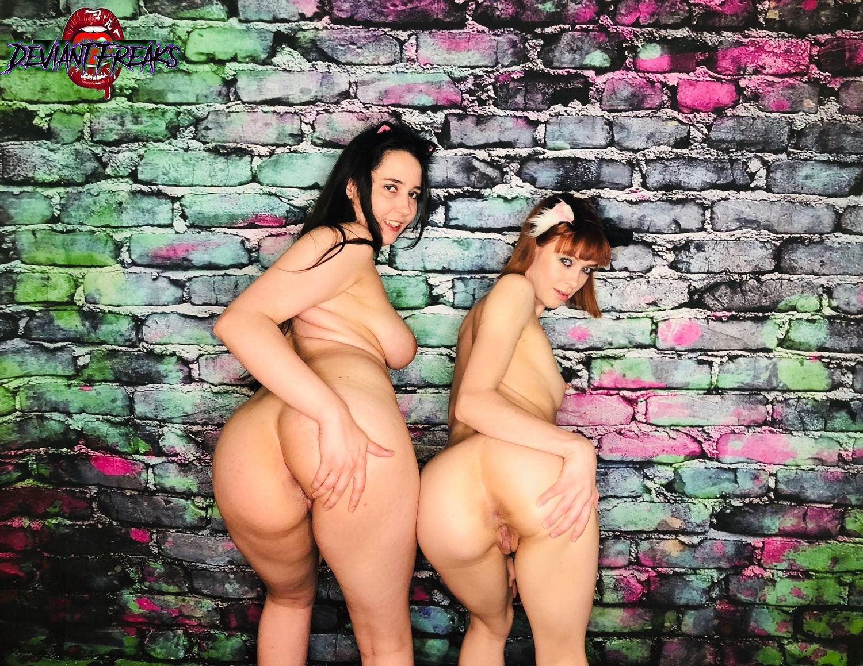 Curvy girl and petite lesbian gtrlfriends butt flashing