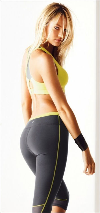 Karol Bagh Escorts Service manager Ankita Sharma Biz has an exceptional class which can't  ...