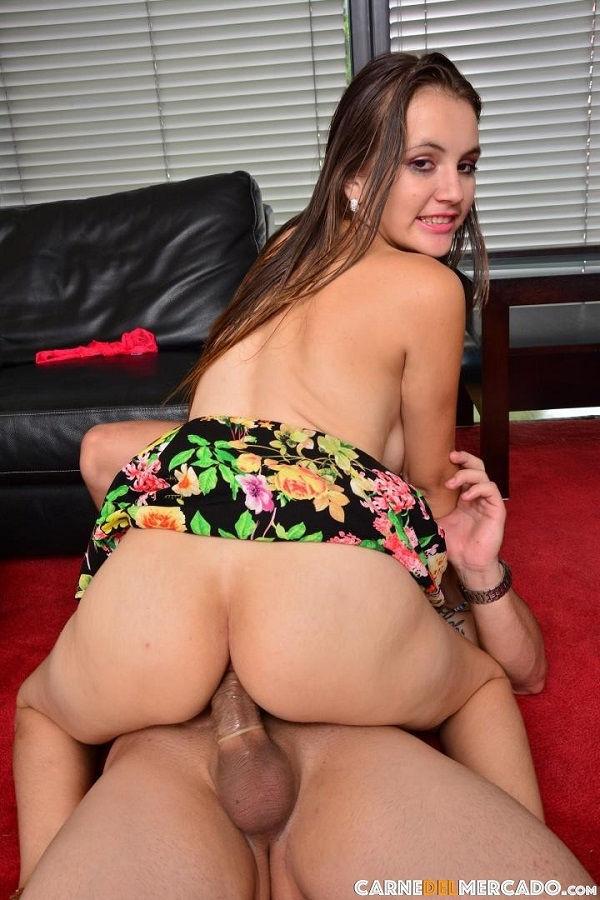 Sara Alvarez