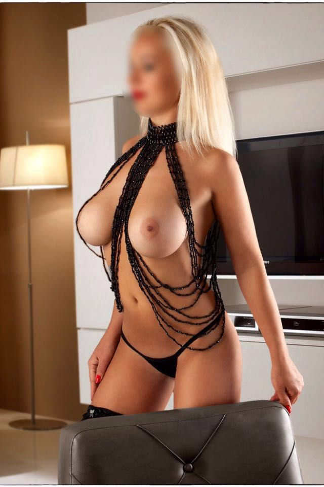 Serena is an extremely beautiful blonde with gorgeous   Amsterdam Escort XXX 0031649864947