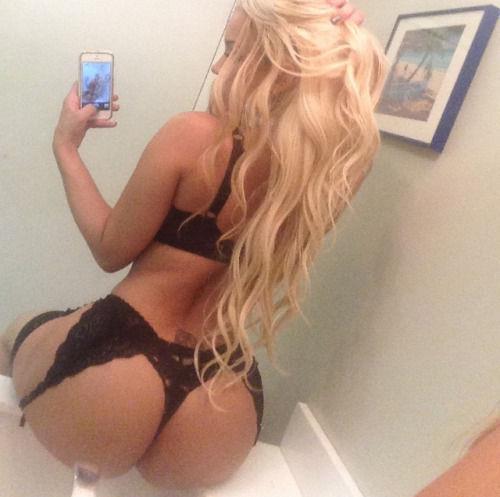 Gotta love that ass..